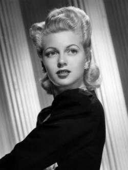 Lana turner biographie et filmographie for Biographie de afida turner
