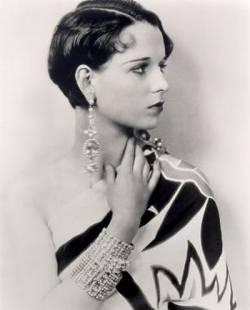 Louise Brooks Biography Photos Wallpapers - Beautiful Women